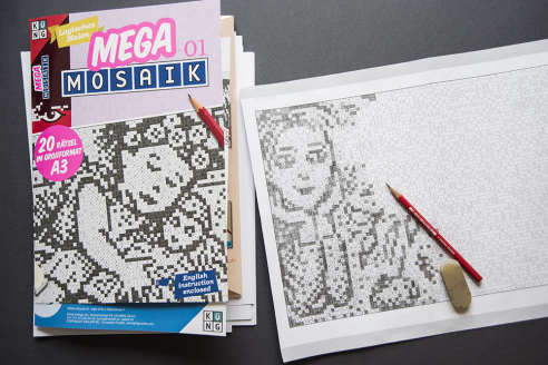 Mega Mosaik 01: Folder and puzzle page