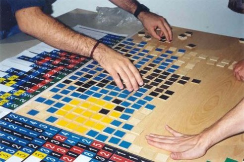 Solving Conceptis' Pic-a-Pix puzzle during WPC 2002 team competition (4)