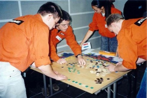 Solving Conceptis' Pic-a-Pix puzzle during WPC 2002 team competition (7)